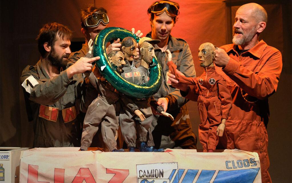 Naivní divadlo Liberec: Pohádka o LIAZCE
